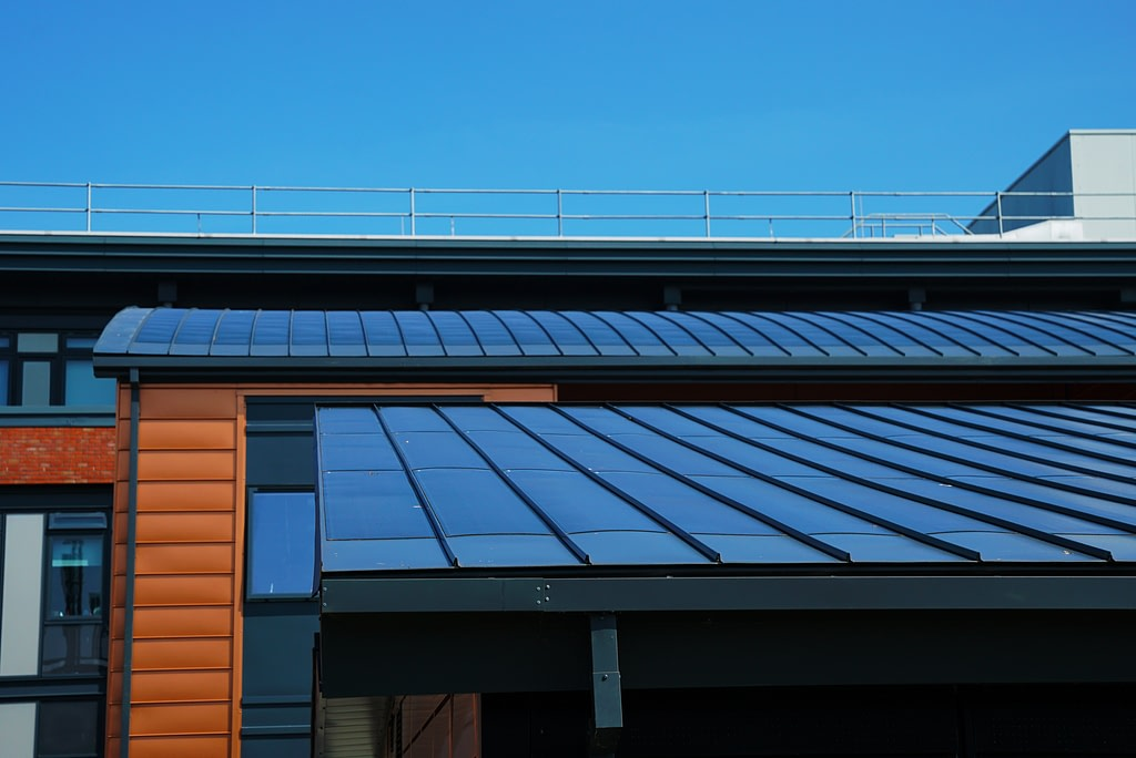 The active building have low carbon building energy systems